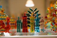 Kleurrijke die lollys en verschillend om suikergoed worden gekleurd Zoet suikergoed royalty-vrije stock foto's