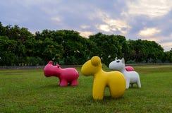 Kleurrijke dierenstandbeelden royalty-vrije stock afbeeldingen