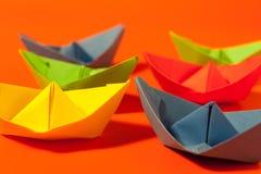 Kleurrijke document boten Stock Foto's