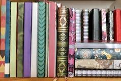 kleurrijke document notitieboekjes stock afbeeldingen