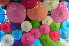 Kleurrijke Document paraplu met de hand gemaakte paraplu Stock Foto