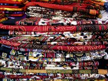 Kleurrijke doek in stapels Stock Foto