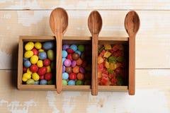 Kleurrijke dragee met marmelade of geleisuikergoed Stock Fotografie