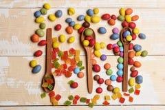 Kleurrijke dragee met marmelade of geleisuikergoed Stock Foto