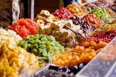 Kleurrijke droge vruchten nadruk op fig. Stock Foto