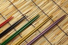 Kleurrijke eetstokjes stock foto's