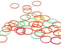 Kleurrijke elastische geïsoleerde elastiekjes Stock Foto