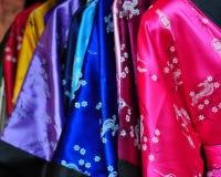 Kleurrijke en trillende robes stock afbeeldingen