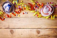 Kleurrijke feestelijke Carnaval-grens op hout royalty-vrije stock afbeeldingen