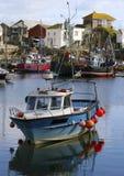 Kleurrijke fFishing boten bij anker in Mevagissey Royalty-vrije Stock Fotografie