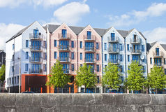 Kleurrijke flat, die Cork stad, Ierland inbouwt Royalty-vrije Stock Afbeeldingen