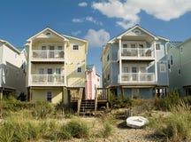 Kleurrijke Flatgebouwen met koopflats Royalty-vrije Stock Afbeelding