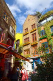 Kleurrijke gebouwen bij de Werf van Neal in Londen Stock Foto
