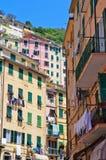 Kleurrijke Gebouwen in Cinque Terre Stock Afbeeldingen