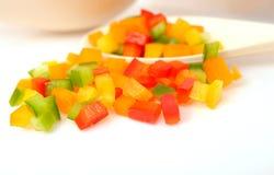 Kleurrijke gehakte groene paprika's royalty-vrije stock foto's
