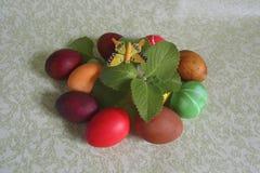 Kleurrijke gekleurde paaseieren Stock Fotografie