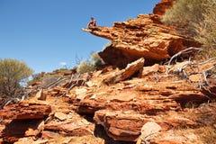 Kleurrijke gelaagde rots Stock Fotografie