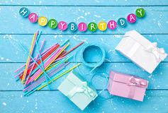 Kleurrijke Gelukkige Verjaardagsachtergrond Stock Afbeeldingen