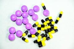 Kleurrijke geneesmiddelen Stock Afbeelding
