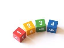 Kleurrijke genummerde blokken voor het leren (i) Royalty-vrije Stock Foto