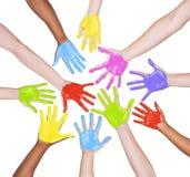 Kleurrijke Geschilderde Handen Stock Foto