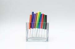 Kleurrijke gevoelde pennen heldere levendig Stock Afbeeldingen