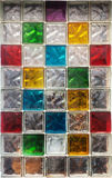 Kleurrijke glasblokken in het venster, achtergrondtextuur Stock Fotografie