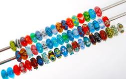 Kleurrijke glasparels Stock Foto's