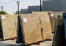 Kleurrijke granietplakken voor verkoop Stock Fotografie