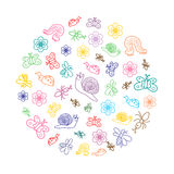 Kleurrijke Grappige Krabbelinsecten De kinderentekeningen van Leuke Insecten, Vlinders, Mieren en Slakken schikten inacirkel Stock Foto