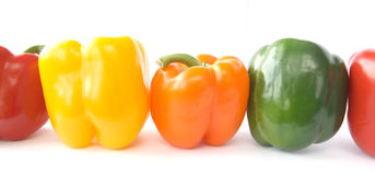 Kleurrijke groene paprika Stock Afbeeldingen