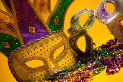 Kleurrijke groep Mardi Gras of Venetiaans masker of kostuums op y Royalty-vrije Stock Foto's