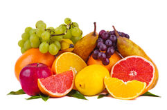 Kleurrijke groep verse vruchten