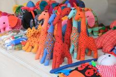 Kleurrijke hand - gemaakt die speelgoed uit doeken wordt samengesteld Royalty-vrije Stock Afbeeldingen