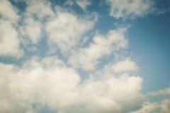 Kleurrijke hemel met wolk stock afbeeldingen