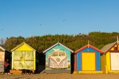 Kleurrijke het baden dozen bij het strand van Brighton in Melbourne, Australië stock fotografie