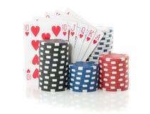 Kleurrijke het gokken spaanders en kaarten Stock Foto's