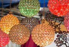 Kleurrijke het hangen lichten Royalty-vrije Stock Fotografie