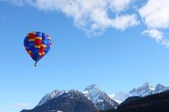 Kleurrijke hete luchtballon Royalty-vrije Stock Foto's
