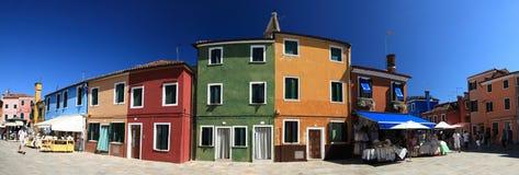 Kleurrijke houseson op buranoeiland, Venetië, Italië Stock Afbeeldingen