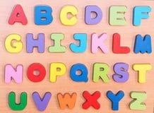 Kleurrijke houten brieven A-Z Stock Afbeelding