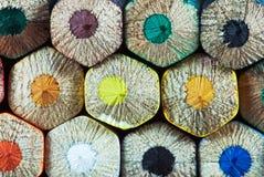 Kleurrijke houten kleurpotloden royalty-vrije stock fotografie