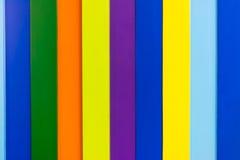 Kleurrijke houten muurachtergrond Stock Fotografie