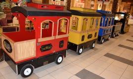 Kleurrijke houten trein Royalty-vrije Stock Afbeelding