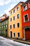 Kleurrijke huisvoorgevel Stock Foto's