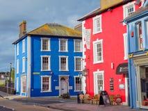 Kleurrijke huizen in Aberaeron, Wales Royalty-vrije Stock Afbeeldingen