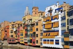 Kleurrijke huizen in Girona, Spanje Royalty-vrije Stock Foto's