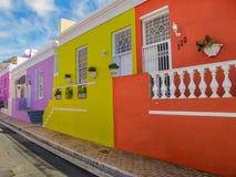 Kleurrijke huizen in het district van BO Kaap, Cape Town, Zuid-Afrika stock afbeelding