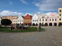 Kleurrijke huizen in het historische vierkant in Telc Stock Foto