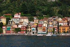 Kleurrijke huizen, Meer Como, Italië Royalty-vrije Stock Afbeeldingen